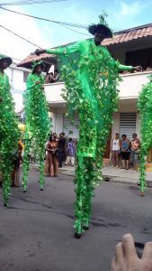stilt walkers 2016-2(green costume)