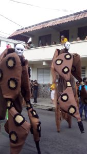 stilt walkers 2016-(bat costume)
